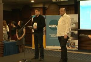 Собствениците на Империя Онлайн Доброслав Димитров и Мони Дочев лично приеха отличието.